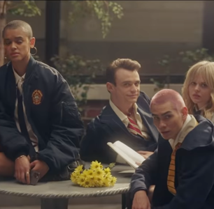 The First Trailer for That Gossip Girl Reboot Is Here, Queer, and Full of Orgies