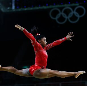 By Prioritizing Her Mental Health, Simone Biles is Sending an Important Message to Young Athletes