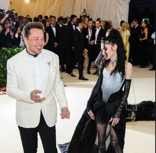 Elon Musk and Grimes Have Gone Splitsville and the Internet is Stoked