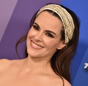 """""""Schitt's Creek"""" Inspired Emily Hampshire to Come Out"""