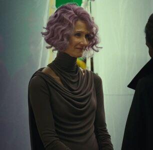Alex Jones Says Princess Leia and Holdo Are Lesbians Like It's A Bad Thing