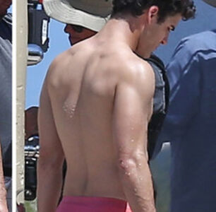 For Some Reason, Darren Criss Felt the Need to Explain His Naked Selfie