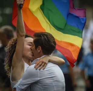 Romania Set to Hold Referendum on the Definition of Marriage