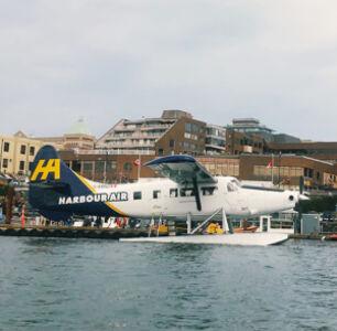 Kayaking Victoria Harbor