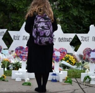 Doctor for Early HIV/AIDS Patients Among Dead in Pittsburgh Synagogue Shooting